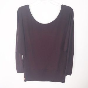 Lucy athletic 3/4 length top burgundy w stretch